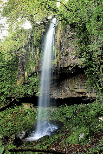 Cueva y cascada de El Pímpano