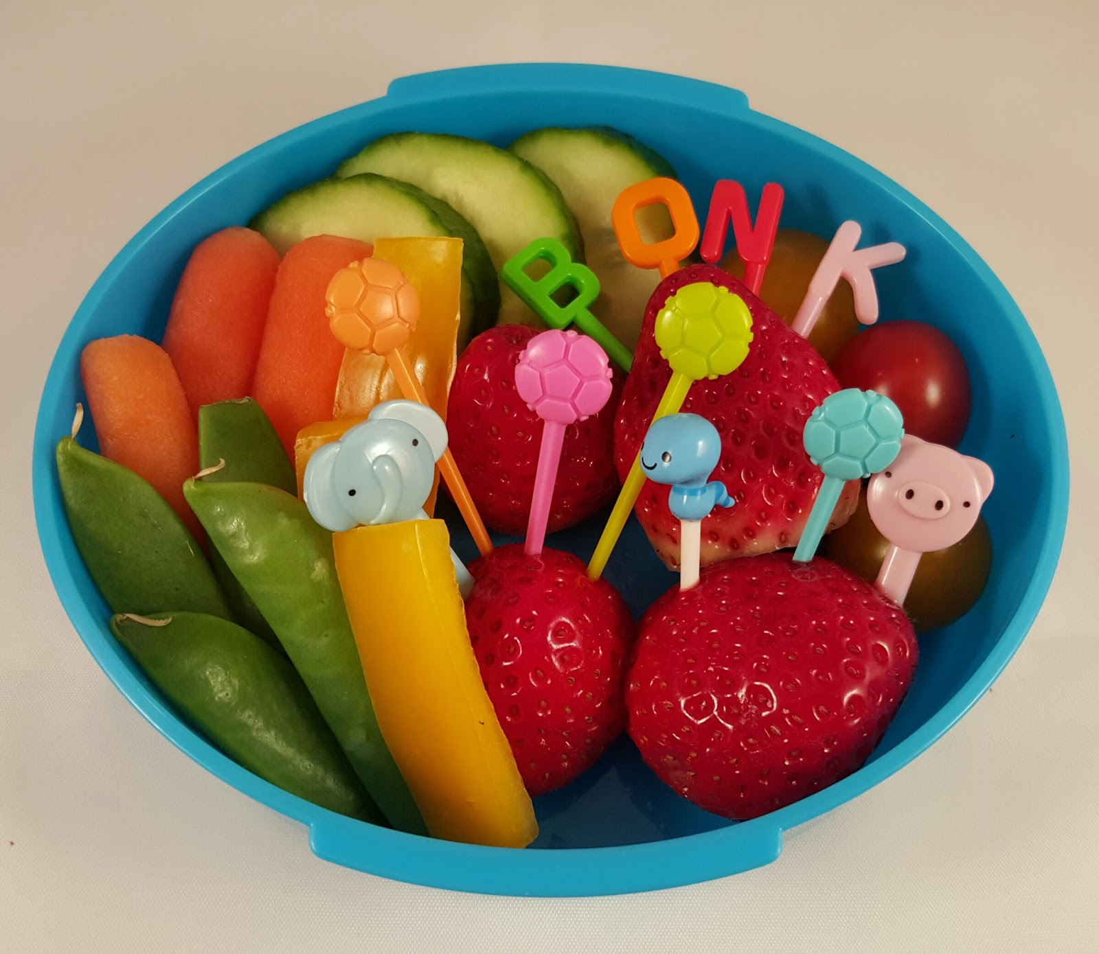 Lunch Inspired by Can I Play Too? – An Elephant and Piggie