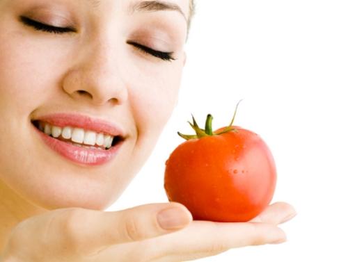 Tujuh Cara Mudah Membuat Masker Tomat