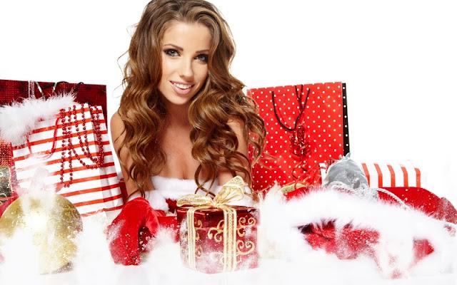 Новогодний подарок: что понравится девушке