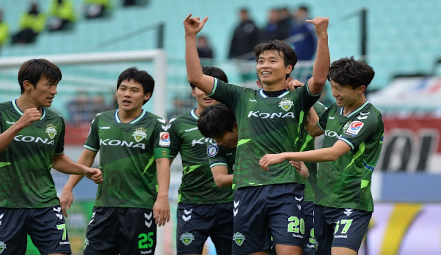 2017 K League Jeonbuk Hyundai Motors return to AFC Champions League action next year, having been drawn in Group E