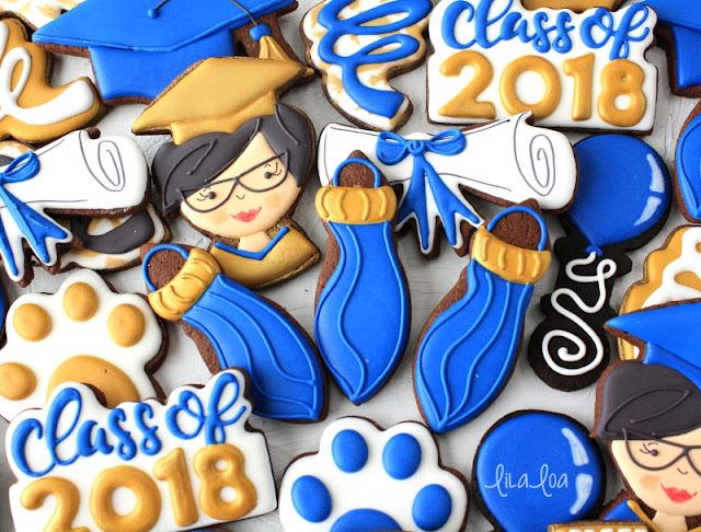 How to make easy decorated graduation tassel sugar cookies