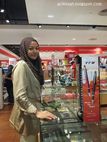 Acikidah @ Sheaffer Counter, Sogo.