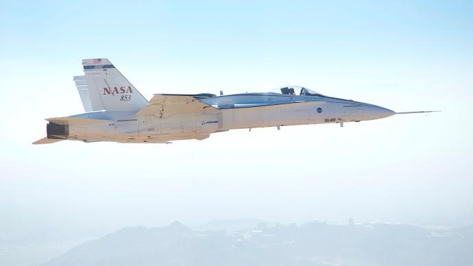 Wallpaper: FA-18 Research Jet