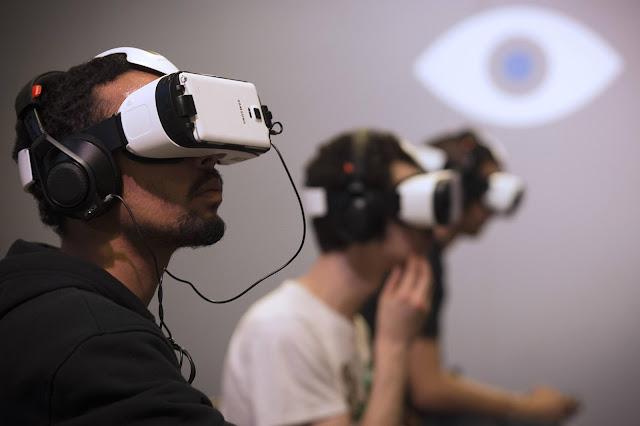 تدريب الطيارين بواسطة نظارات الواقع الافتراضي
