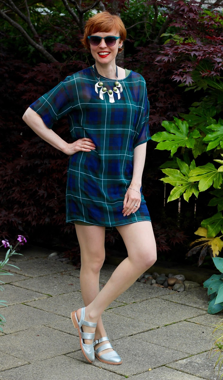Fake fabulous | Tartan T-shirt dress, silver sandals and red lips.