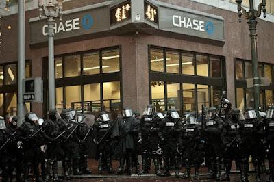 https://4.bp.blogspot.com/-WAZ-056W3ys/V2ZT3EyyKBI/AAAAAAAAO2g/n8A1CxjviSQDYwyHFdKB4vrnd_Rj1V3BgCLcB/s640/Chase-Police-State.jpg