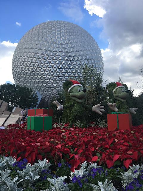 Decoração de Natal e a Bola do Epcot