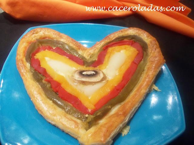 http://www.caceroladas.com/2014/02/corazon-de-hojaldre-con-verduras-y-queso.html