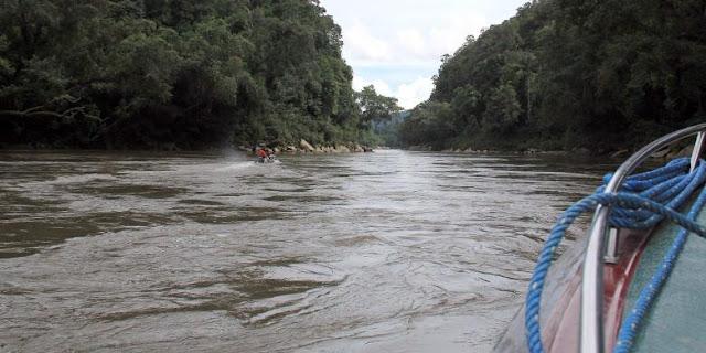 Bertaruh Nyawa ke Long Apari, Kampung di Ujung Kalimantan Timur