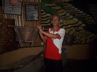 Halina't Libutin, Lungsod Agham ng Muñoz!: Mga makalumang ...