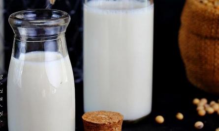 24 Manfaat Susu Kedelai Untuk Tubuh Anda dan Lihat Cara Pembuatannya