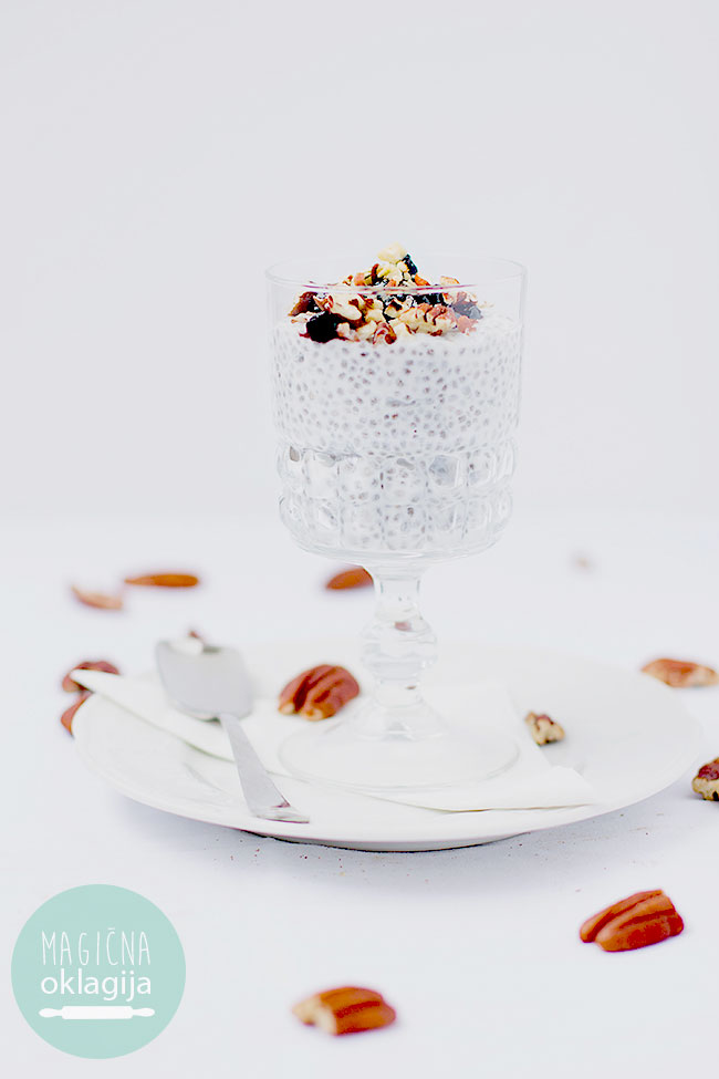 Healthy kefir and chia seed pudding by Magična Oklagija food blog