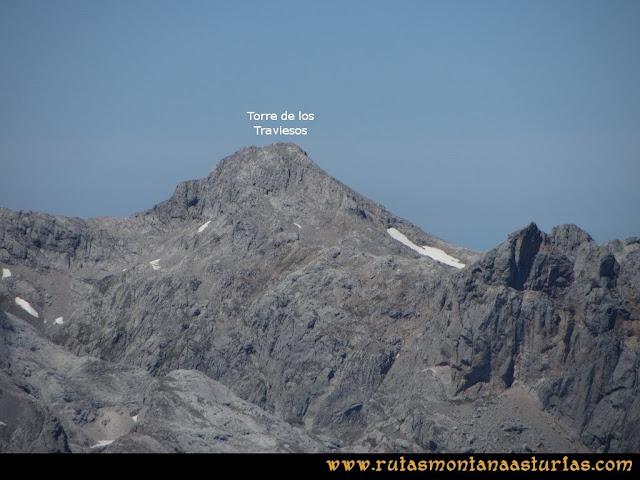 Ruta a la Torre del Friero: Vista de los Traviesos