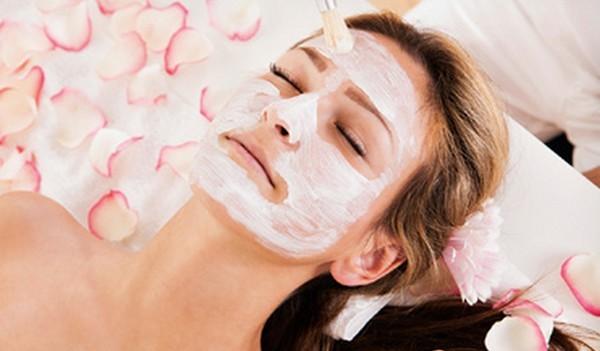 Cara Membuat Masker Wajah Alami Sendiri di Rumah