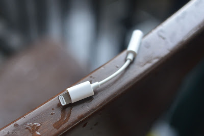 Analysts Believe Apple Won't Include Lightning-to-Headphone Adapter With 2018 iPhones