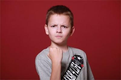 8 Penyebab dan Solusi Anak Suka Melawan