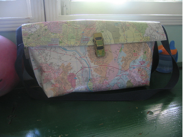 Como hacer un Bolso de Papel con un Mapa