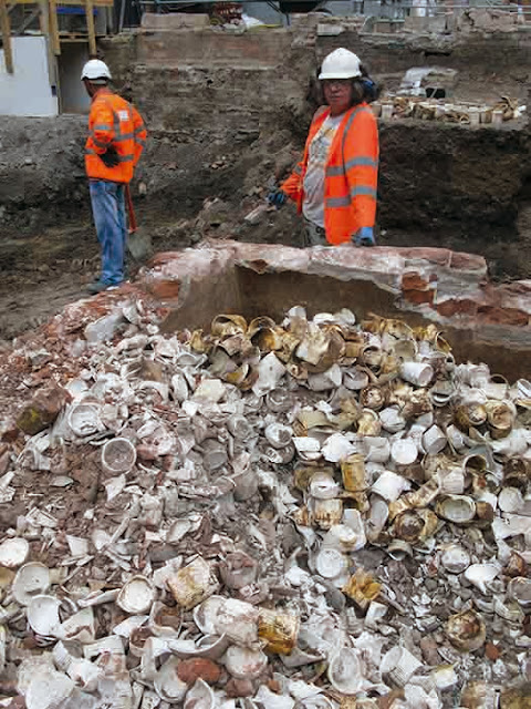 13,000 Victorian jam jars discovered at Crossrail site