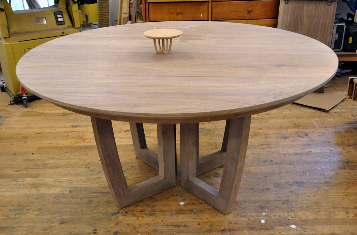 dorset custom furniture a woodworkers photo journal a round expanding dining table with a leaf. Black Bedroom Furniture Sets. Home Design Ideas
