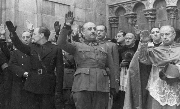 El Vaticano confirma que no impedirá el entierro de Franco en La Almudena