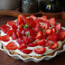 #150 Tarta z warstwą czekolady, kremem budyniowo-jogurtowym i truskawkami