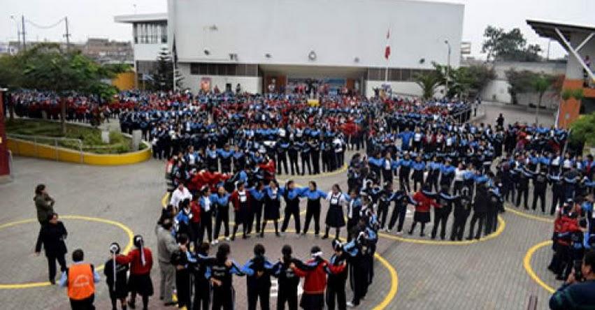 MINEDU: Ministro Daniel Alfaro destaca disciplina y seriedad de alumnos durante Simulacro Nacional Escolar - www.minedu.gob.pe