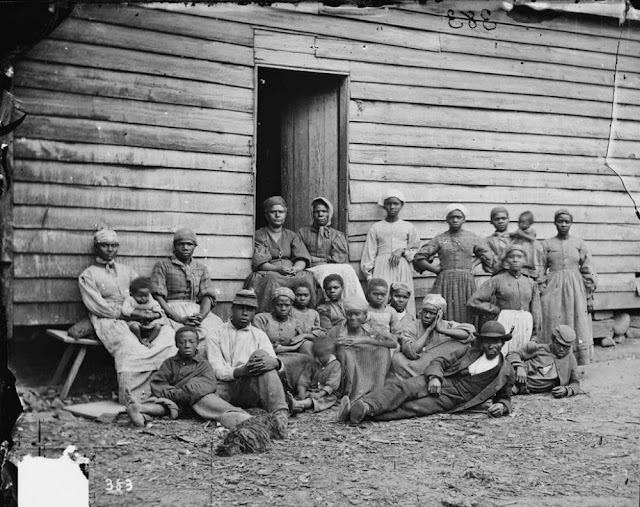 slavery in the 19th century in the united states Jewish slave owners in the united states ask question  united-states 19th-century social-history jews slavery share | improve this question edited apr 19 '15 at 0:35  in terms of actual persons, on the eve of the civil war, the census showed 393,967 slave owners in the united states.