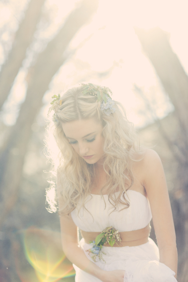 bride+groom+bridal+dress+gown+floral+hair+wreath+rustic+woodland+ecofriendly+eco+friendly+green+emerald+color+of+the+year+pantone+cake+dessert+table+reception+centerpiece+blue+hipster+fall+autumn+gideon+photography+1 - Woodland Fairytale