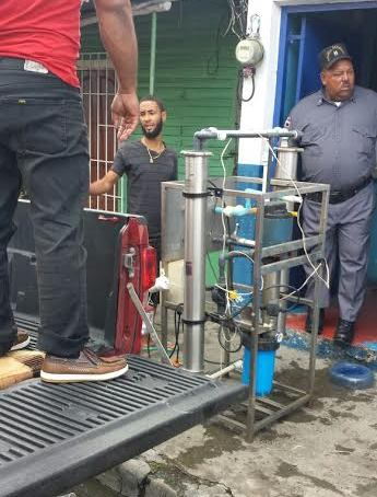 Salud Pública cierra e incauta equipos de plantas de agua