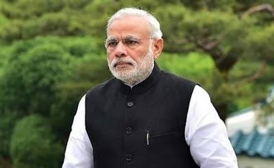 PM मोदी को BJP प्रवक्ता ने बताया भगवान विष्णु का 11 वां अवतार, कांग्रेस ने बताया देवताओं का अपमान