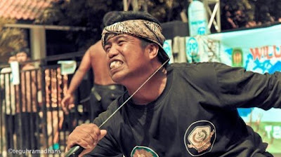 Ritual Paling Menyeramkan di Indonesia