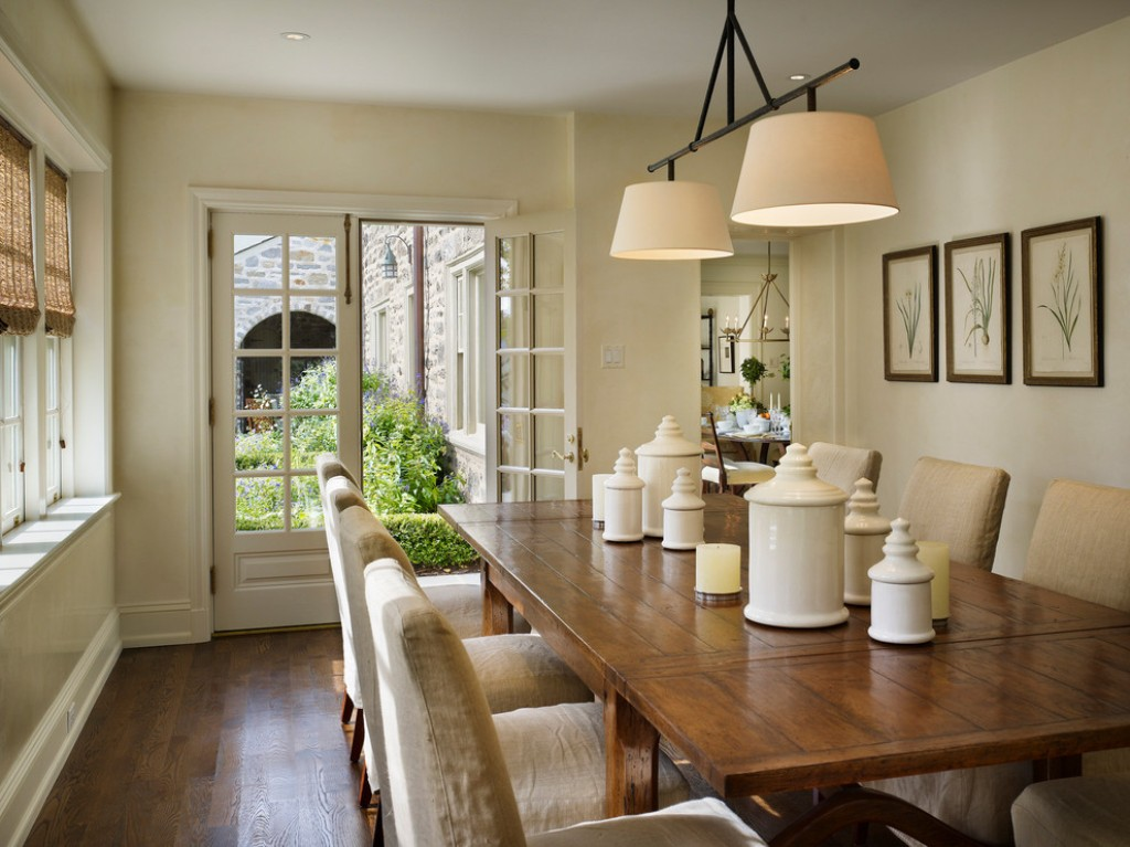 Beautiful chandeliers and dining tables bahay ofw for Beautiful dining area