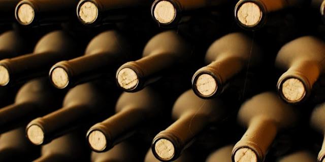 El vino tinto es la única bebida alcohólica que hace mejor al sexo