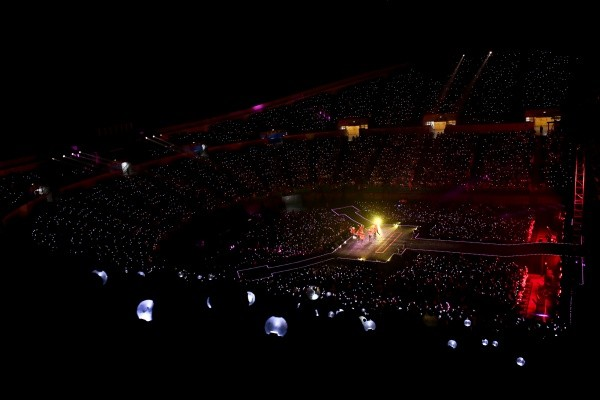 콘서트장에서 멋진 무대를 선보이고 있는 방탄소년단 [BIG HIT entertainment 제공]