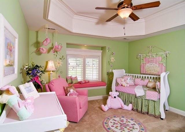 Habitación de bebé color verde