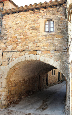 Casa puente de Peratallada
