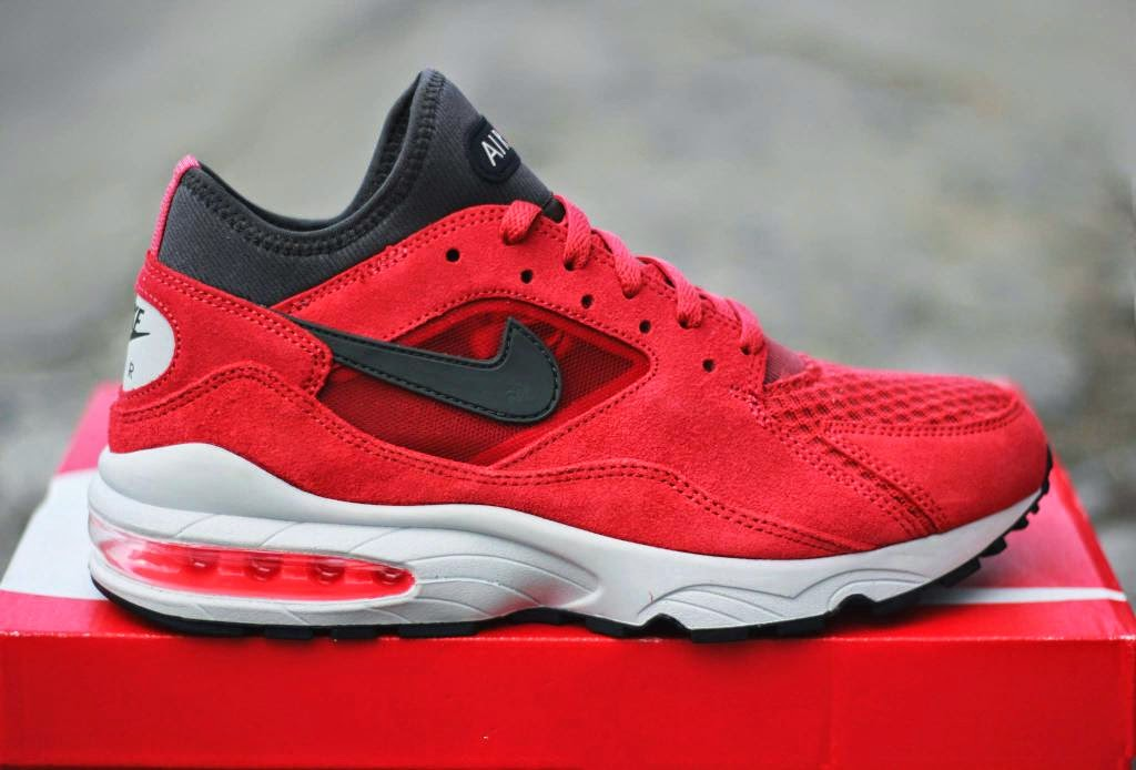 Running Riot in Red Nike Air Max 93 Red Suede Preview