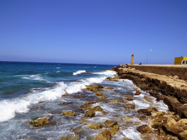 North Cyprus Day Trip: Kyrenia Harbour and lighthouse