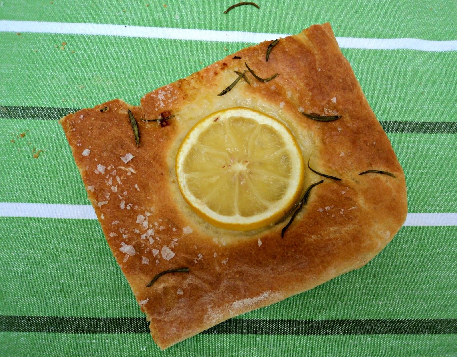 focaccia-limon-oregano-trozo