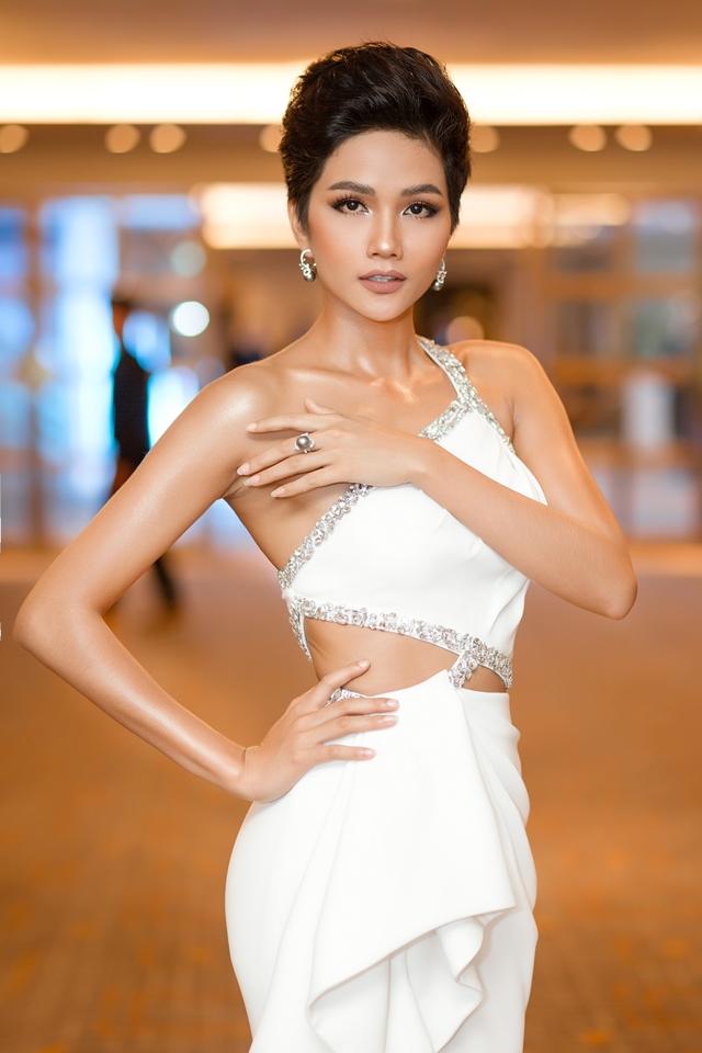 Hoa hậu H'Hen Niê 2