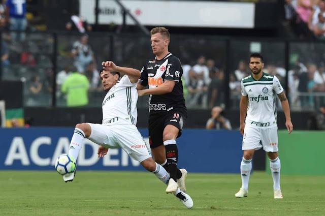 Palmeiras bate Vasco com gol de Deyverson e é campeão brasileiro