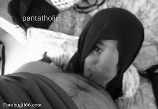 Jilbab Montok Sepongan Mulutnya Nikmat Bener
