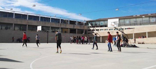 «Στο δικό μου δεν χωράει»: 10 ατάκες του σχολείου των 90's που εξακολουθούν να λένε όσοι παλιμπαιδίζουν