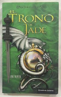 Portada del libro El Trono de Jade, de Naomi Novik
