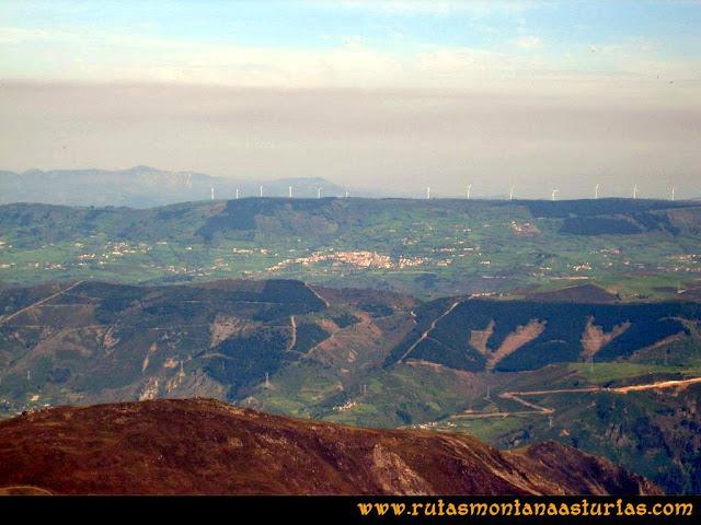Ruta peña Manteca o Horru: Desde la cima, vista de Tineo