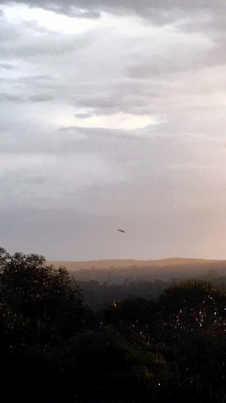 UFO News ~  UFOs Tracked Over Australia plus MORE Sunset%252C%2Bmufon%252C%2Bcloak%252C%2BUFO%252C%2BUFOs%252C%2Bsighting%252C%2Bsightings%252C%2Balien%252C%2Baliens%252C%2BVoyager%252C%2BStar%2BTrek%252C%2BNews%252C%2Bmovies%252C%2Bshows%252C%2BSpoke%252C%2BKirk22
