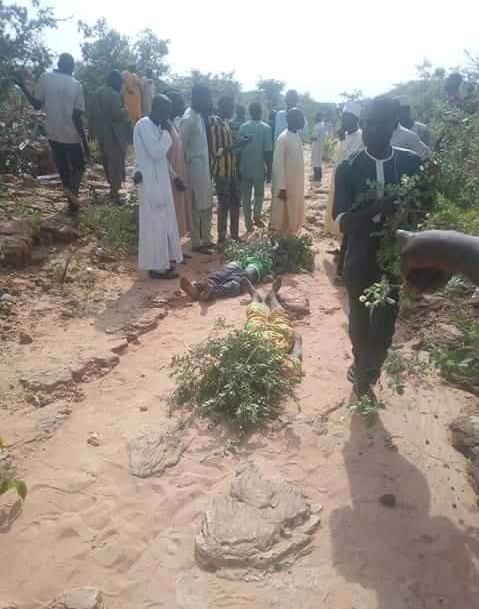 Mass burial held as 18 travelers dies in lethal auto crash in Gombe