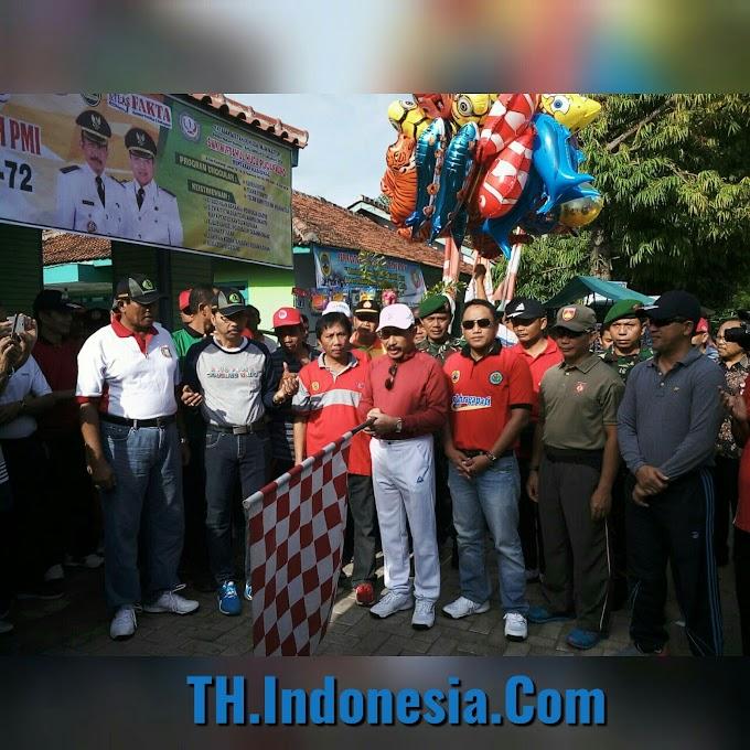 Bupati Pati Membuka Jalan Sehat HUT PGRI ke 72 di Puncakwangi Pati