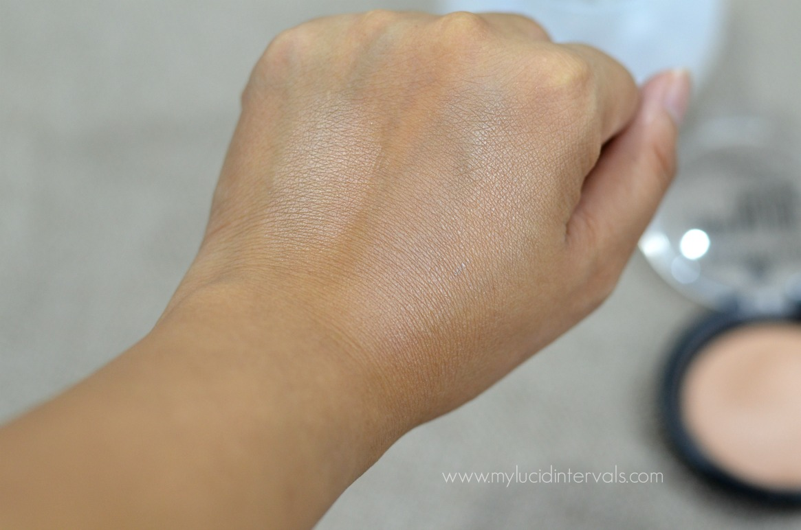 Pure Nude Highlighter by essence #9